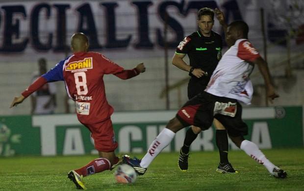 Renato Peixe Guaratinguetá x Oeste (Foto: Fábio Rubinato/ AGF)