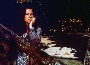 Tereza (Cassia Kiss Magro) é seduzida pelo Beto e acaba grávida (Foto: Divulgação / Reprodução)