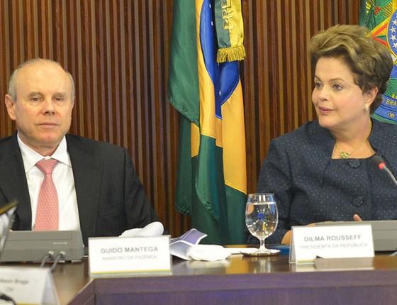 Guido Mantega e Dilma Rousseff, em 2014 (Foto: Fabio Rodrigues Pozzebom/Agência Brasil)