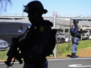 Segurança, uma das grandes preocupações da Copa na África, foi reforçada apenas durante o evento (Foto: Gianluigi Guercia/AFP)