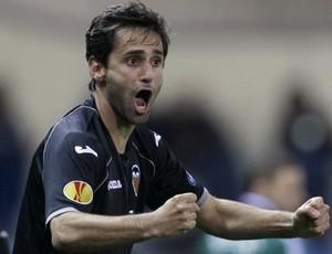 Jonas comemora gol do Valencia (Foto: AP)