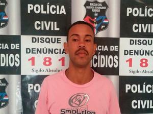Iegredy Félix dos Santos é suspeito de matar homem em 2012 (Foto: Divulgação/PC)