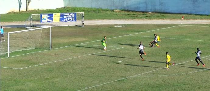 João Paulo decidiu jogo para o Ypiranga contra o Resende (Foto: Reprodução/TV Rio Sul)