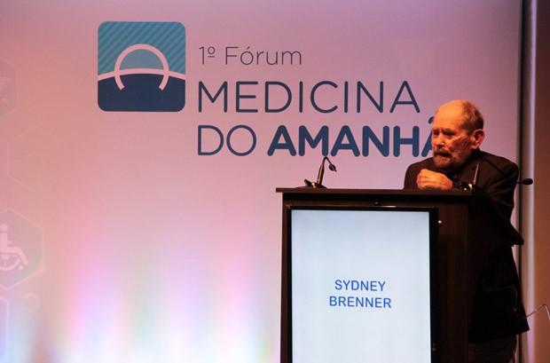 Sydney Brenner, prêmio Nobel em 2002, participa de evento em São Paulo neste sábado (20) (Foto: Patrícia Sobrinho/Hospital Israelita Albert Einstein)
