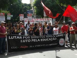 Servidores federais fazem ato unificado no centro de Belém (Foto: Reprodução/TV Liberal)