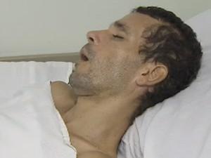 Homem perdeu a memória após acidente e hospital procura família (Foto: Reprodução/TV Vanguarda)
