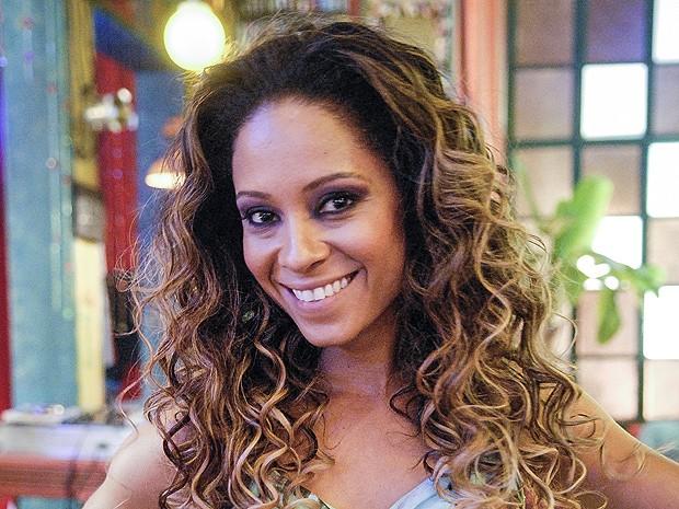 Arrase como Cinara Leal (Foto: Flor do Caribe / TV Globo)