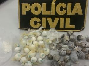 Trouxas de drogas encontradas em presídio do TO (Foto: Divulgação/Polícia Civil)