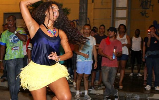 Juliana Alves em ensaio técnico da Unidos da Tijuca (Foto: Henrique Oliveira/ Foto Rio News)