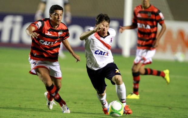 Atlético-GO x Paraná (Foto: Carlos Costa/Futura Press)