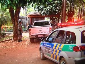 Casal foi morto e jovem, esfaqueado, durante festa em chácara, em Goiás (Foto: Reprodução/TV Anhanguera)