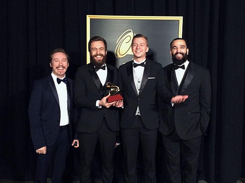 Scalene comemora Grammy Latino de Melhor Álbum de Rock em Língua Portuguesa (Foto: Arquivo Pessoal)