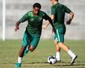 Elicarlos se apresenta no Santa e já treina com bola; Clube espera Roberto