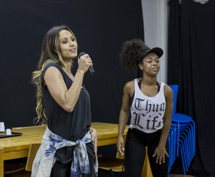 Thaíssa Carvalho e a coreógrada Dandan Firmo, responsável pela dança (Foto: Ellen Soares /Gshow)