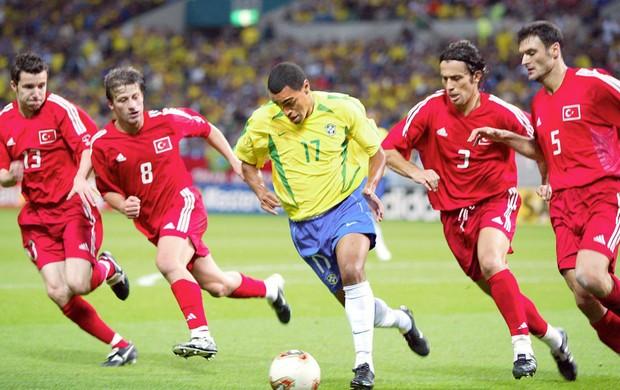 denilson brasil turquia copa do mundo 2002 (Foto: Agência Getty Images)