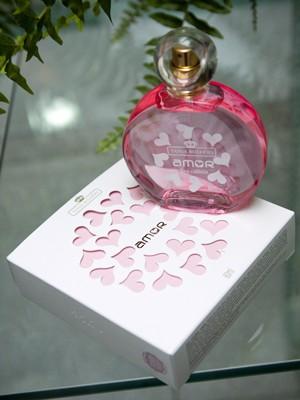 Alunos criaram perfume chamado 'amor' como trabalho de conclusão do curso (Foto: Divulgação/Fundação Dorina Nowill)