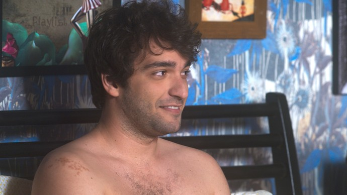 Tiago quer levar Isabela para conhecer o Rio (Foto: TV Globo)