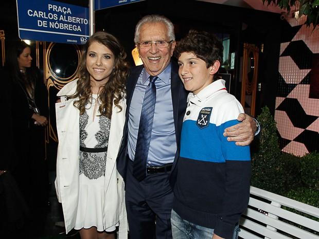 Carlos Alberto de Nóbrega com os filhos Maria Fernanda e João Vitor em evento em São Paulo (Foto: Amauri Nehn/ Foto Rio News)