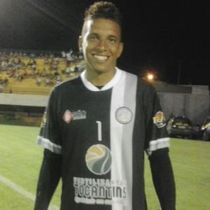 Goleiro do Interporto Carlão  (Foto: Edson Reis)