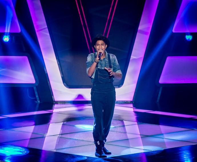 Junior Lord solta a voz com 'Sem Você a Vida É Tão Sem Graça' (Foto: Isabella Pinheiro/Gshow)