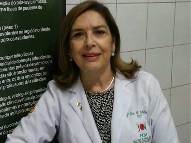A médica Maria Ângela Rocha, chefe do setor de infectologia pediátrica do Hospital Universitário Oswaldo Cruz da Universidade de Pernambuco (Huoc/UPE), foi uma das primeiras que notou o aumento de casos de microcefalia (Foto: Maria Ângela Rocha/Aquivo pessoal)