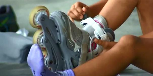 Vida e Saúde mostra como começar a andar de roller (Foto: Reprodução/RBS TV)
