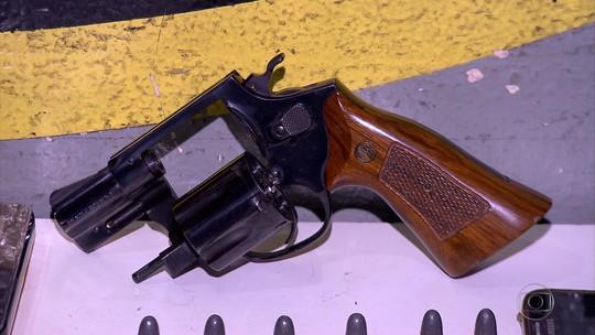 PM prende dois irmãos suspeitos de vender armas em Vespasiano, na Grande BH