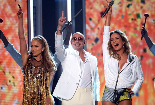 Claudia Leitte, Jennifer Lopez e Pitbull (Foto: Getty Images)