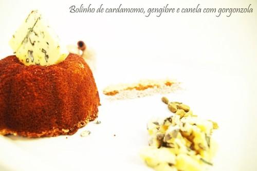 Bolinho de especiarias com queijo gorgonzola