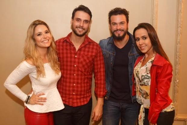 Felipe Cunha e Sidney Sampaio se apresentas em Vitória, ES, com a peça  'As Sereias da Zona Sul' (Foto: Vitor Zorzal/WB Produções)