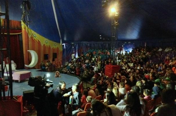 TV TEM leva crianças da região para aproveitarem tarde de diversão no Circo dos Sonhos (Foto: Monalisa Sório/TV TEM)