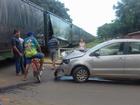 Carro é atingido por trem na área urbana (TEM Você)