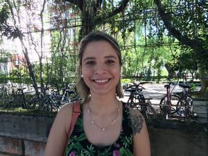 ENEM 2016 - DOMINGO (6) - PORTO ALEGRE (RS) - Katielle Pereira de Freitas, 19 anos, esperava tema mais atual, mas aproveitou para desabafar na redação (Foto: João Henrique Bosco/G1)