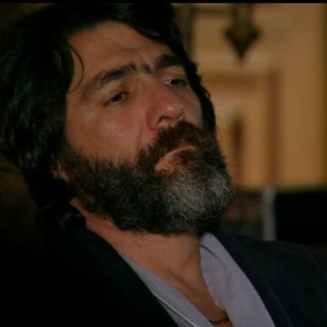 Cesar Troncoso em cena como Dom Rafael (Foto: Reprodução)