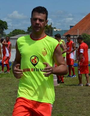 Fernando Pompéu, goleiro do Rio Branco  (Foto: Nathacha Albuquerque)