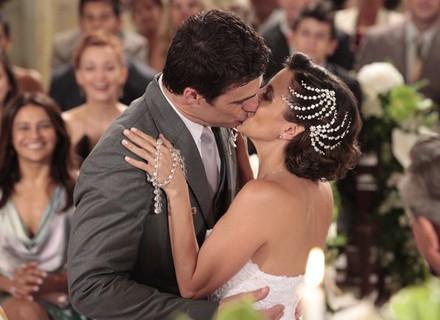 Final: Juan e Letícia se casam para a felicidade de Vilma, Carol e Fábio