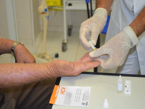 Teste é gratuito em unidades de saúde (Foto: Magda Oliveira/G1)