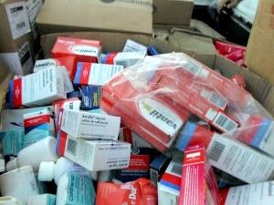 Medicamentos incluiam antiinflamatórios, remédios infantis, xaropes, entre outros (Foto: Idomilson Martins/ Arquivo Pessoal)