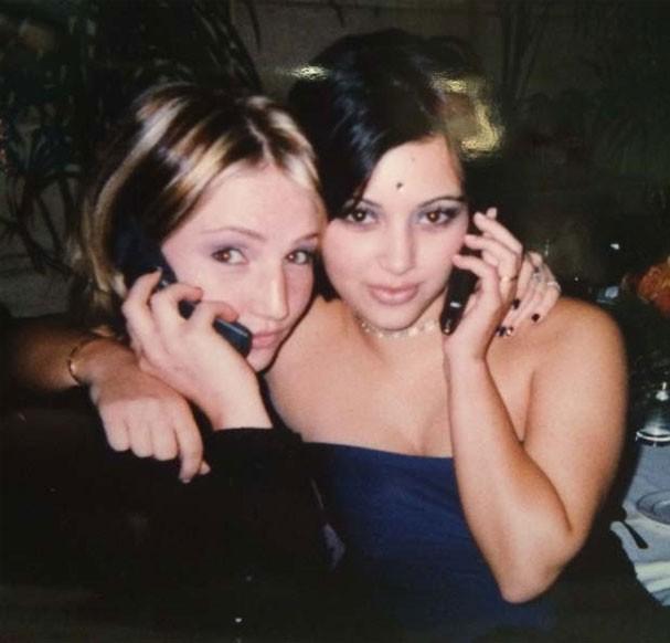 Kim Kardashian antes da fama: sobrancelhas finas e aparelho nos dentes