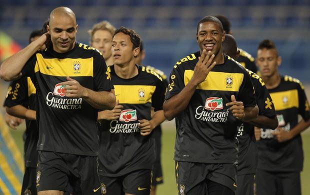 jucilei no treino da seleção brasileira (Foto: Mowa Sports)