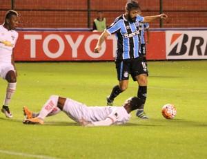 LDU x Grêmio Libertadores Douglas Grêmio Quito Casa Blanca (Foto: Eduardo Moura/GloboEsporte.com)