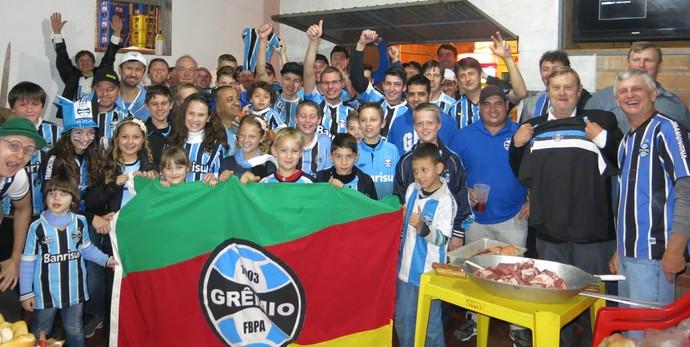 14c2b646d4 Cidade mais gremista do Brasil respira rivalidade e tem prefeita ...