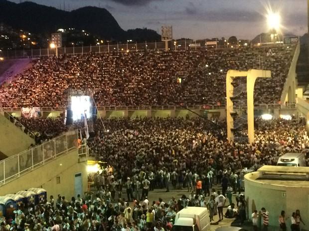 A Praça da Apoteose lota para o show de encerramento da Marcha para Jesus (Foto: Mariana Cardoso/G1)