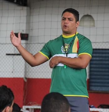 Pablo Simões, técnico do Galvez sub-19 (Foto: João Paulo Maia)