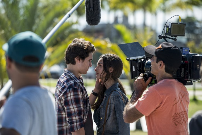 Marina e Nicolas nos bastidores das gravações (Foto: Ellen Soares/Gshow)