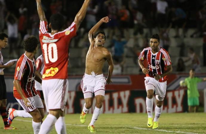 Daniel Borges marca e empurra Botafogo à vitória contra o Oeste (Foto: Rogério Moroti/Ag. Botafogo)