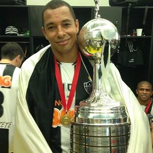 Gilberto Silva Atlético-MG taça libertadores (Foto: Reprodução/Twitter)