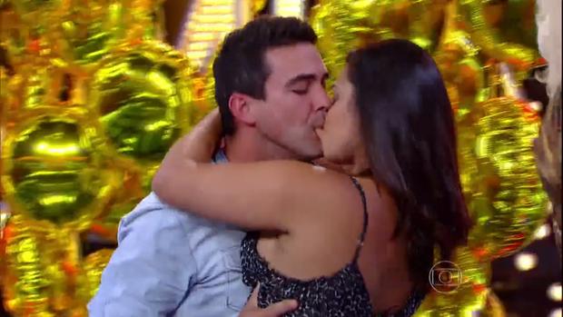 André Marques dá beijão no Amor & Sexo (Foto: Reprodução/Globo)