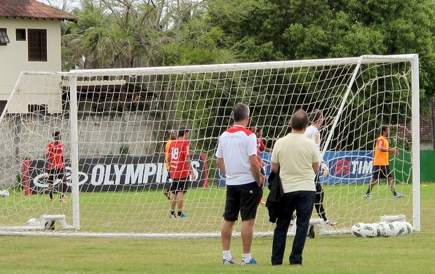 Levy com Dorival Junior no treino do Flamengo (Foto: Globoesporte.com)