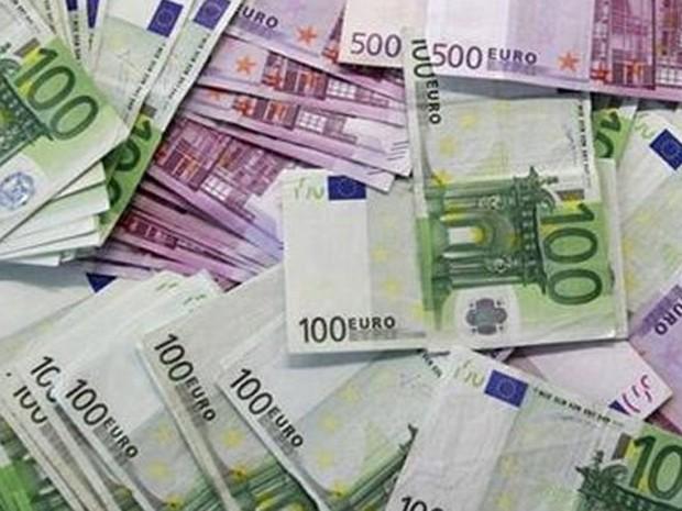 Polícia austríaca encontrou cerca de 110 mil euros (R$ 448 mil) no rio Danúbio (Foto: Reuters)